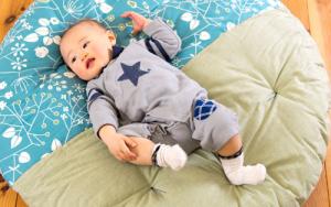 【赤ちゃんに】せんべい座布団の人気の秘密は?口コミ・お手入れ方法・最強カバーセットなど【まとめ】